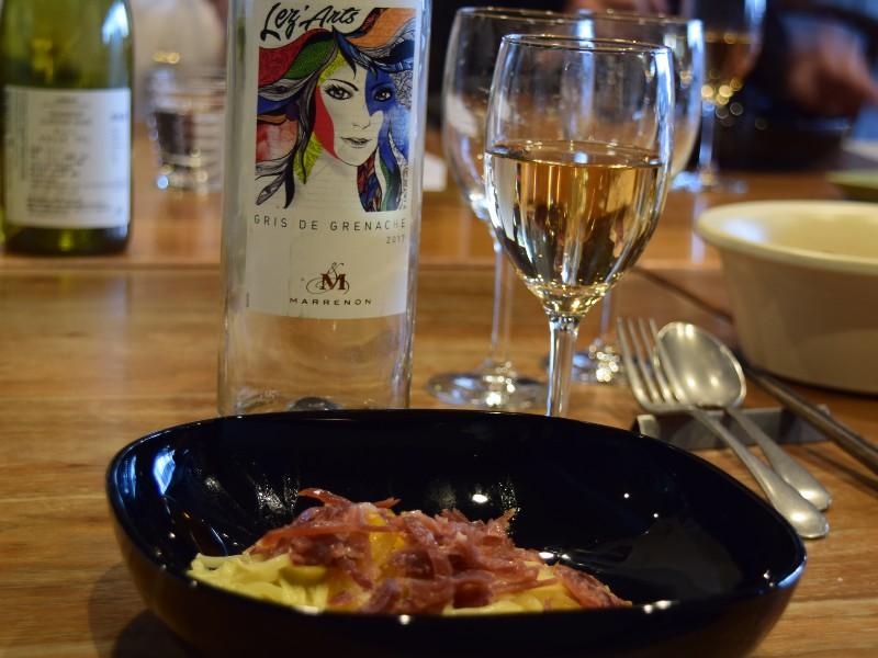 ワインとパスタ