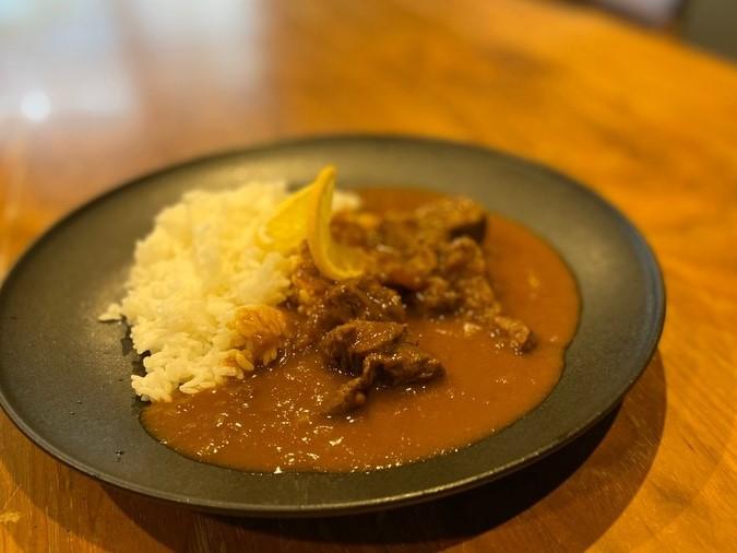 【レシピ】市販のルウで手軽に作れる!三ツ星シェフのプレミアムフォンドボーカレー